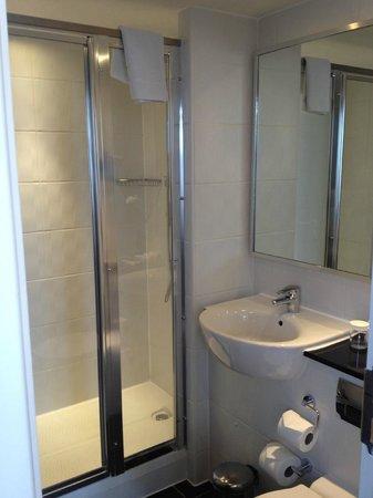Thistle Trafalgar Square, The Royal Trafalgar: Bathroom 1