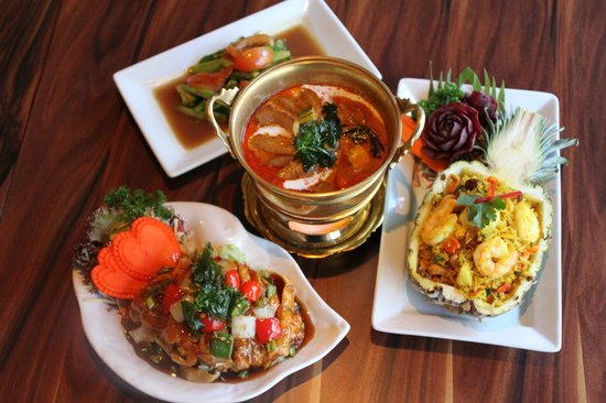 Simply Thai Restaurant: Tempting options. :)