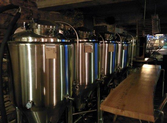 Bec Jaune Brewery: Beer brewing!