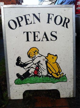 Pooh Corner: Small cute cafe