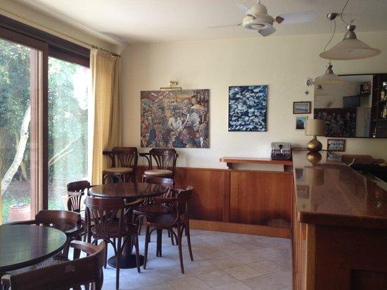 Hotel Villa Beatrice : Desayunador con vista al jardín
