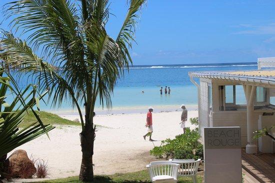 LUX* Belle Mare: L'entree du beach rouge, le magnifique restaurant de plage