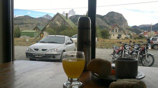 Condor de los Andes: Desayunando y preparando el mate para salir