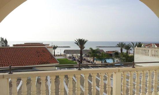Princess Beach Hotel: Blick auf Pool und Meer