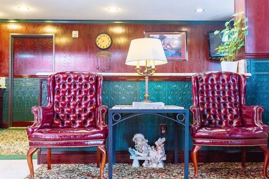 GuestHouse Inn & Suites Kelso/Longview: Lobby