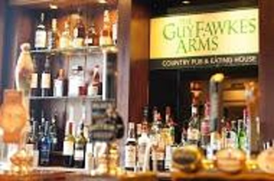 The Guy Fawkes Arms: The Bar