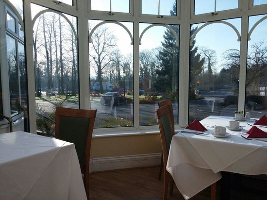 Larkfield Priory Hotel: View from the conservatory at breakfast time.
