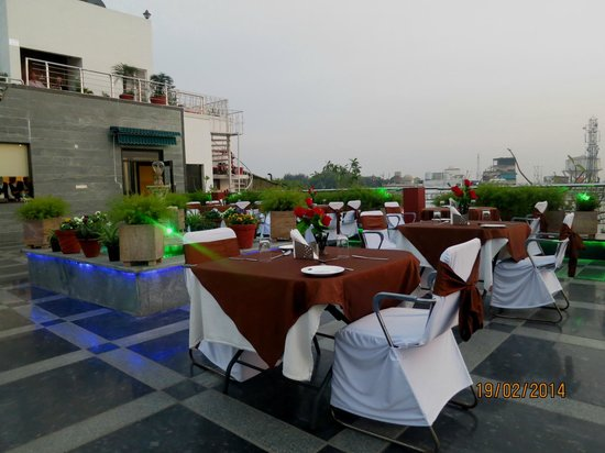 Hotel Taj Resorts : Terrace restaurant