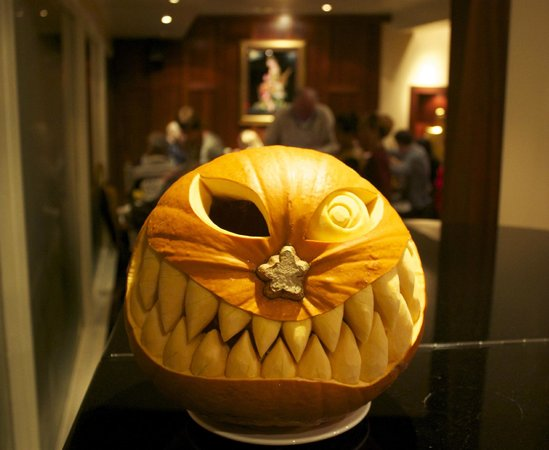 Simply Thai Restaurant: Halloween Pumpkin.