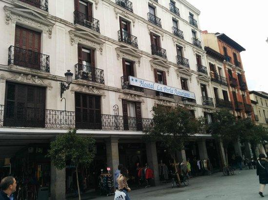 Hostal la Perla Asturiana: Hotel dall'esterno