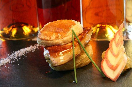 Samatan, France : Chausson de Foie Frais aux Pommes Confites
