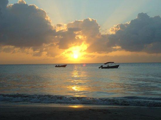Cabanas Relax en Providencia isla: Atardecer