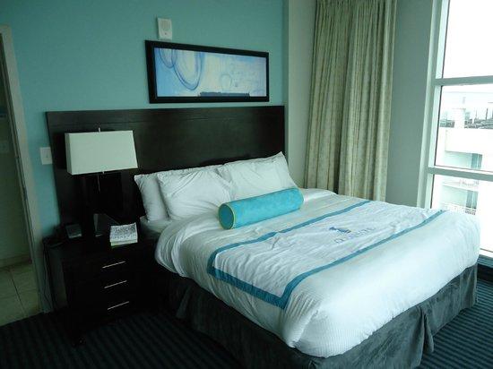 Oceans One Resort: guest bedroom