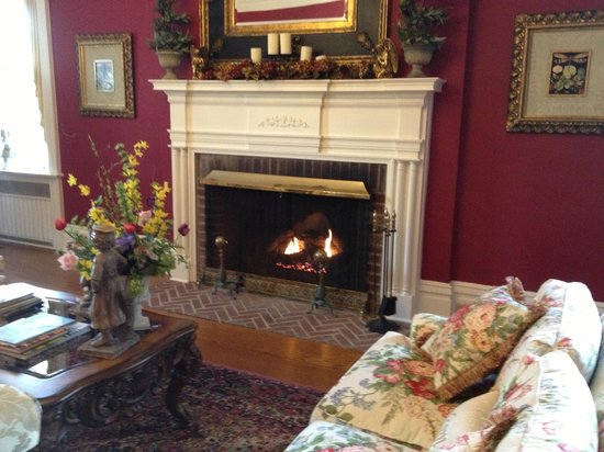A Storybook Inn: Fireplace in the living room