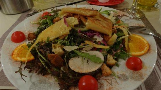 La Croisette: salade à la tomme de Vaumadeuc