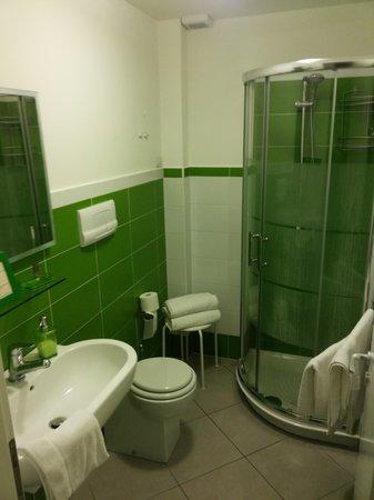 L'Alberghetto B&B: clean bathroom
