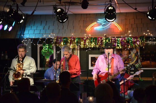 The Bluebird Cafe: Les Kerr and the Bayou Band