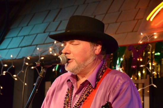 The Bluebird Cafe : Les Kerr and the Bayou Band