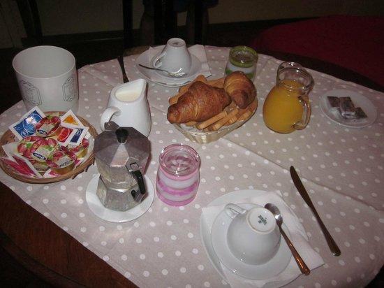 B&B Palazzo Minelli : Desayuno