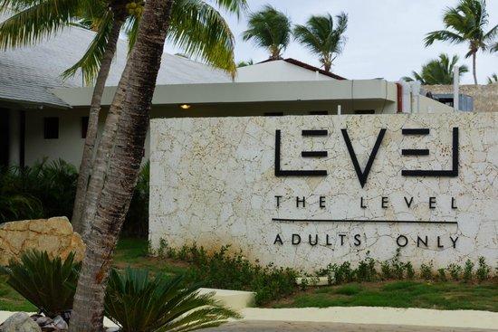 Melia Caribe Tropical: LEVEL Eingang