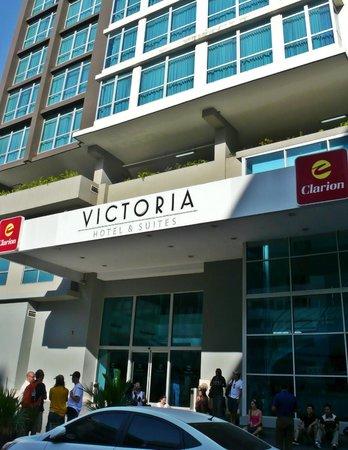 Clarion Victoria Hotel and Suites Panama: Fachada