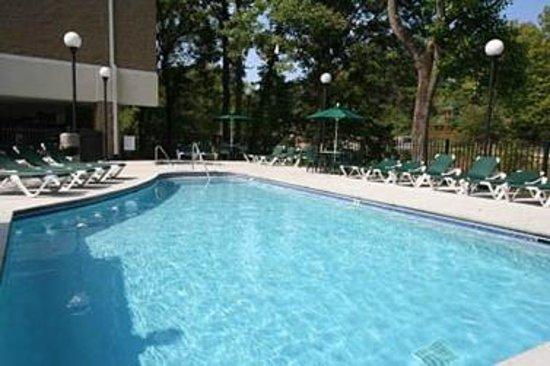 Cedar Lodge Condominiums: Cedar Lodge Swimming Pool