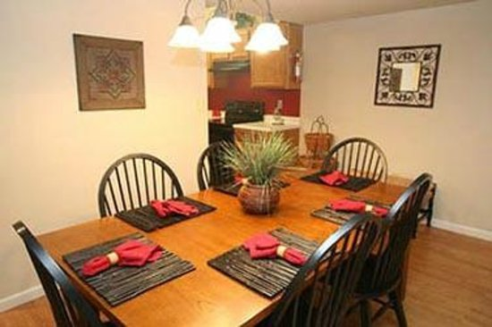 Cedar Lodge Condominiums: Dining