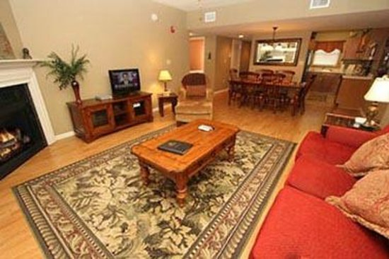 Cedar Lodge Condominiums : Unit Living Room