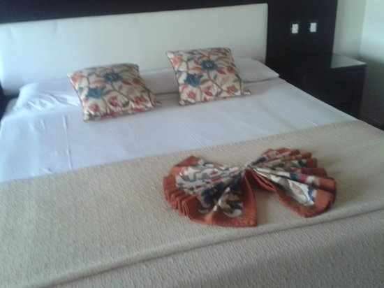 Tropical Princess Beach Resort & Spa: Cama