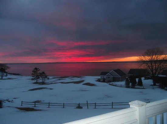 Samoset Resort On The Ocean: A beautiful sunrise viewed from our room