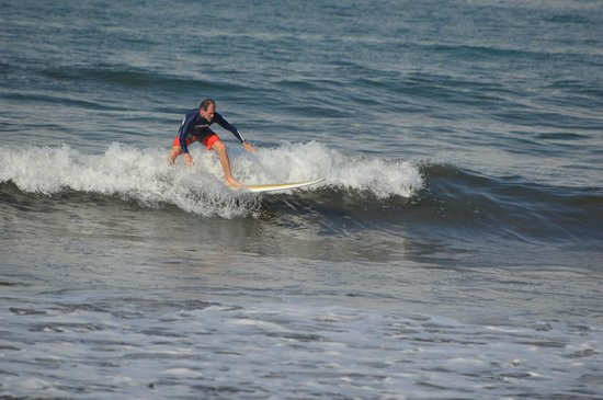 Costa Rica Surf Camp: great fun i the surf with CRSC