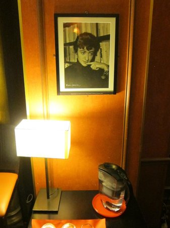 Lenox Montparnasse : One of the vintage photographs decorating the lobby and sitting room