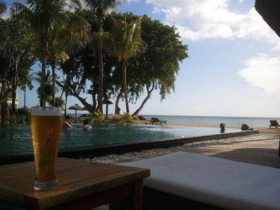 Hilton Mauritius Resort & Spa: La piscine à débordement