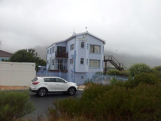 Hout Bay Backpackers: House