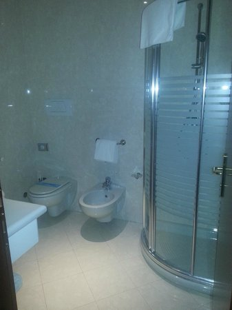 Giada Hotel Ristorante: Bathroom