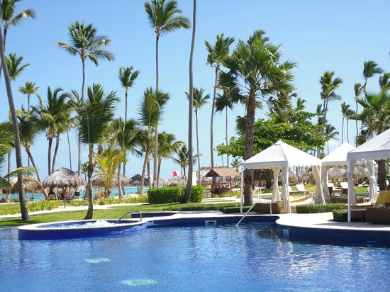 Iberostar Grand Hotel Bavaro: Poolside view