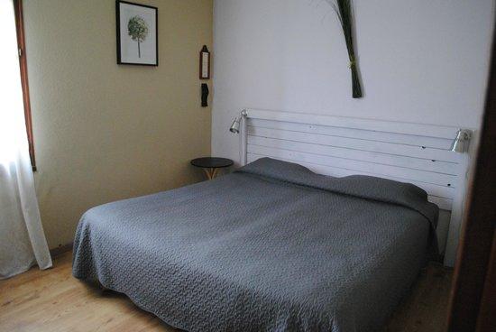 Hôtel Escanlandes: la chambre avec un lit 180 sur 200