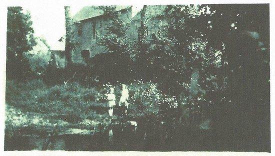 B&B a la Bataille de La Fiere : La Fière Barn & Wall after the battle 1944