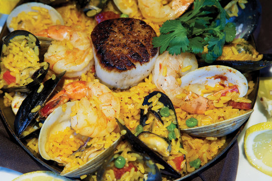 The Wave Kitchen and Bar: Paella