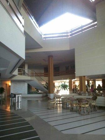Recanto Cataratas Thermas Resort & Convention: Hall de entrada