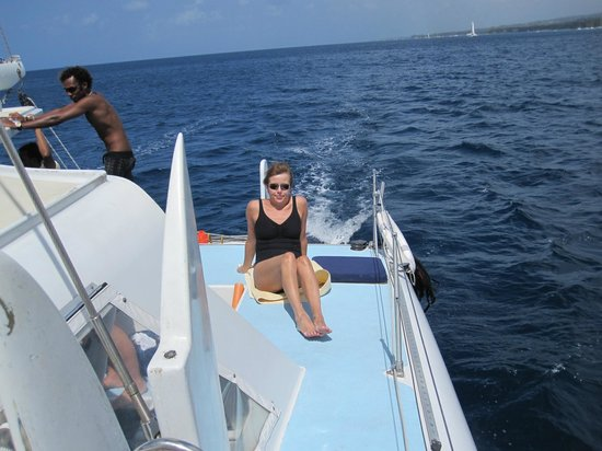 Tiami Catamaran Sailing Cruises: Enjoying a very nice day!
