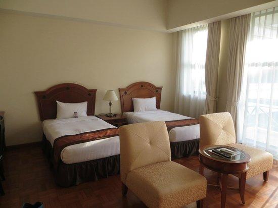 Himawari Hotel Apartments: Standard bedroom