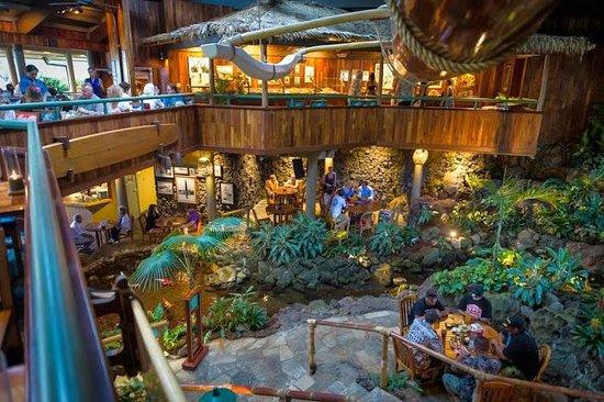 Duke's Kauai : Duke's decor