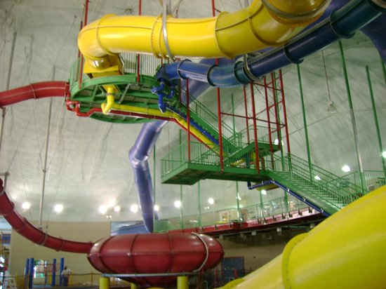 Splash Bay Indoor Water Park: Water Slides