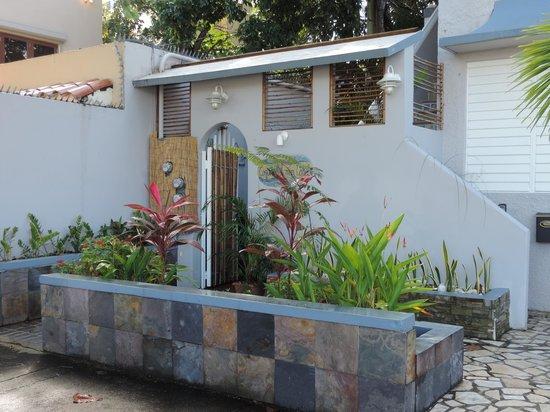 Coqui del Mar Guest House: Vue de la rue