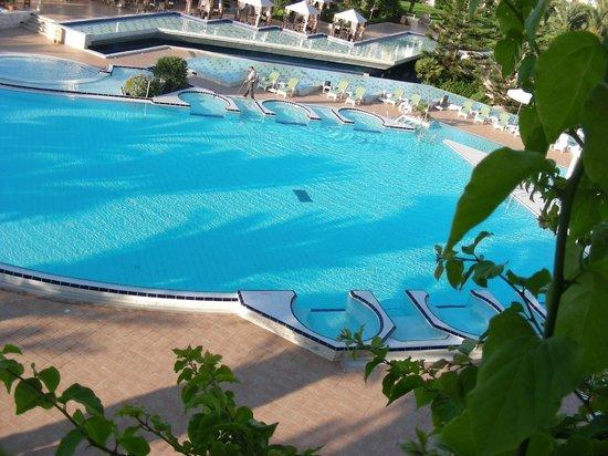 Hasdrubal Thalassa & Spa : piscine