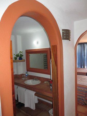 Hotel Irma: Bathroom