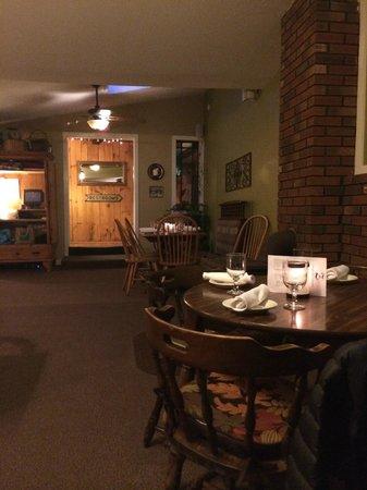 The Hyde Away Restaurant: Hyde Away Inn