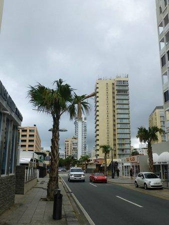 BEST WESTERN PLUS Condado Palm Inn & Suites: Street view of the hotel