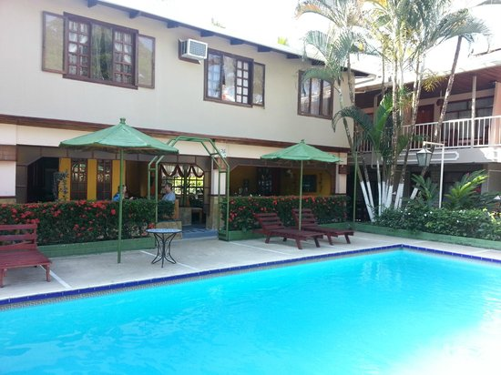 Hotel Mar de Luz: Dining area overlooking pool